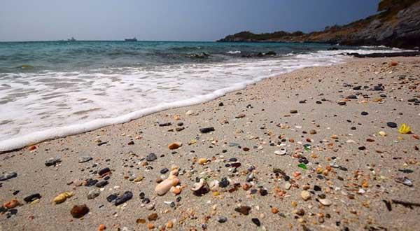 หาดหินกลม